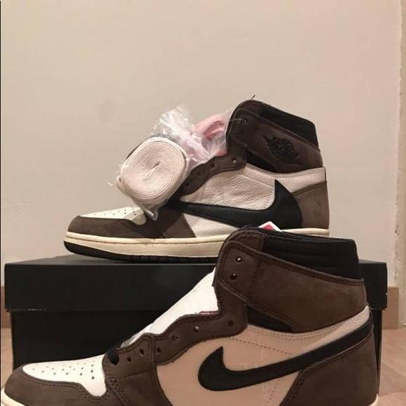 Jordan Shoes - Jordan 1s travis Scott size 11